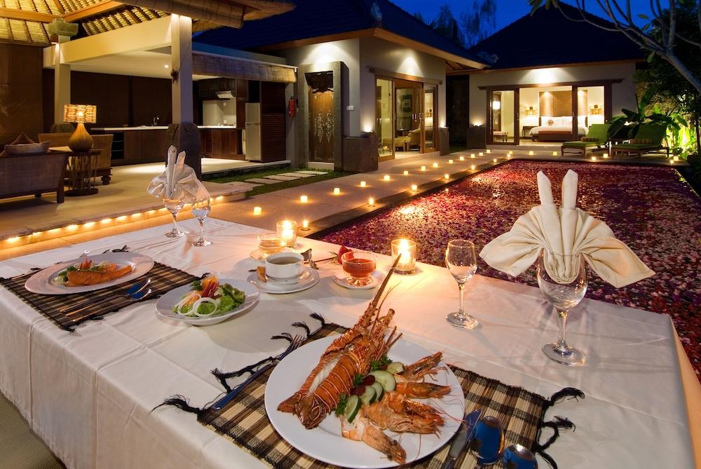 부미 링가 더 프라타마 빌라스(Bumi Linggah The Pratama Villas) Hotel Image 36 - Family Dining