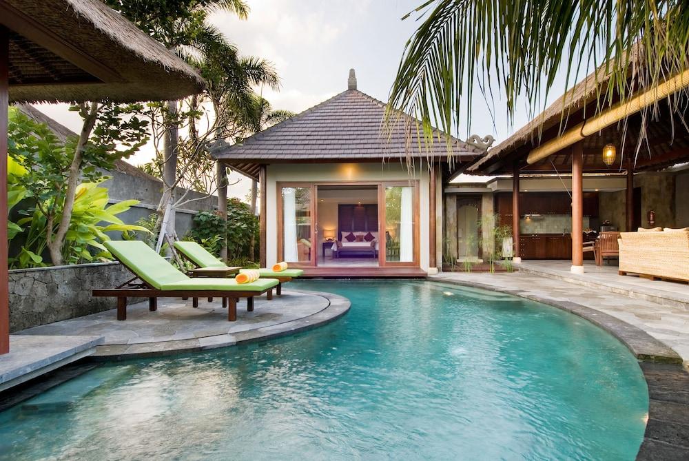 부미 링가 더 프라타마 빌라스(Bumi Linggah The Pratama Villas) Hotel Image 3 - Indoor Pool