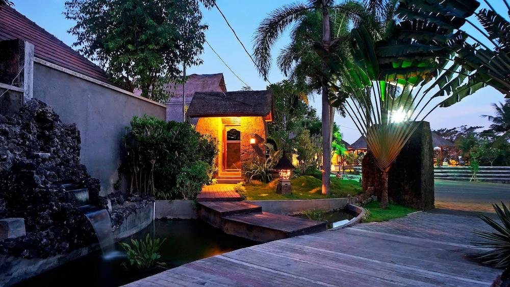 부미 링가 더 프라타마 빌라스(Bumi Linggah The Pratama Villas) Hotel Image 42 - Garden