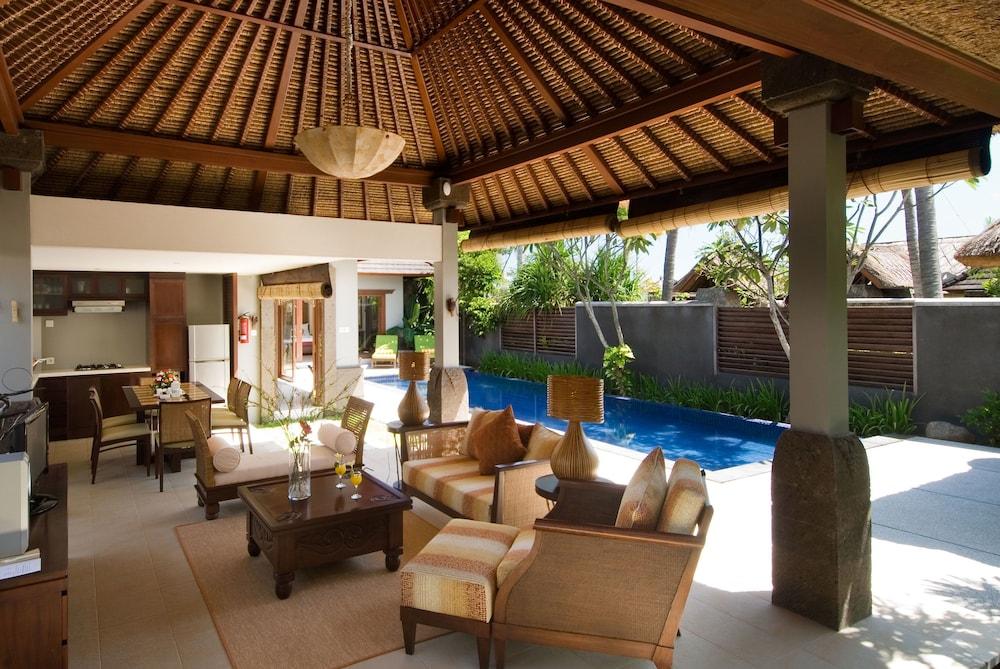 부미 링가 더 프라타마 빌라스(Bumi Linggah The Pratama Villas) Hotel Image 17 - Living Room