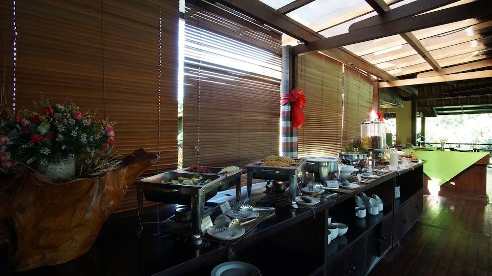 부미 링가 더 프라타마 빌라스(Bumi Linggah The Pratama Villas) Hotel Image 34 - Buffet
