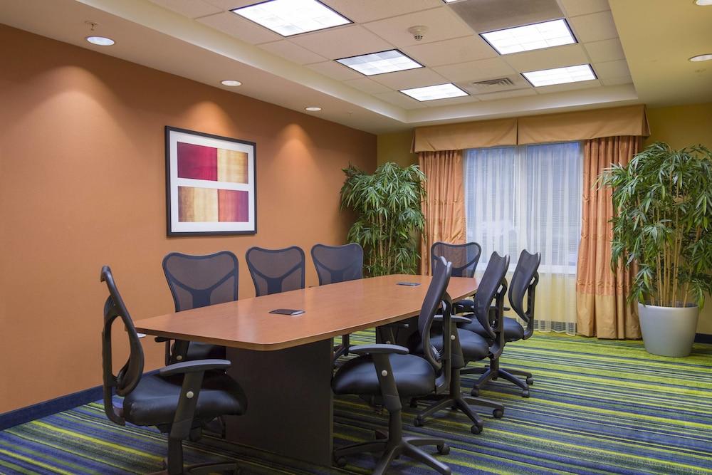 페어필드 인 & 스위트 바이 메리어트 빌밀 바인랜드(Fairfield Inn & Suites by Marriott Millville Vineland) Hotel Image 17 - Meeting Facility