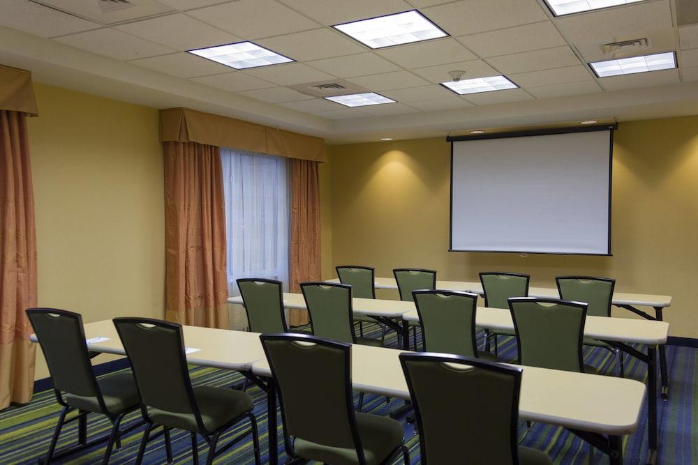 페어필드 인 & 스위트 바이 메리어트 빌밀 바인랜드(Fairfield Inn & Suites by Marriott Millville Vineland) Hotel Image 18 - Meeting Facility
