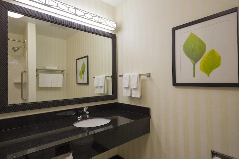페어필드 인 & 스위트 바이 메리어트 빌밀 바인랜드(Fairfield Inn & Suites by Marriott Millville Vineland) Hotel Image 7 - Guestroom