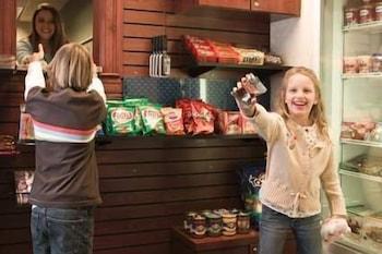 햄프턴 인 & 스위트 엘크 시티(Hampton Inn & Suites Elk City) Hotel Image 21 - Snack Bar