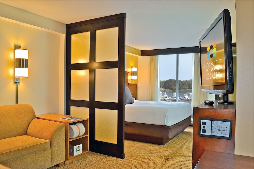 하얏트 플레이스 롱 아일랜드 이스트 엔드(Hyatt Place Long Island East End) Hotel Thumbnail Image 23 - Guestroom