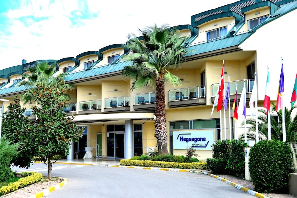 헥사고네 비즈니스 & 미팅 호텔(Hotel Hegsagone Marine Asia) Hotel Image 16 - Hotel Front