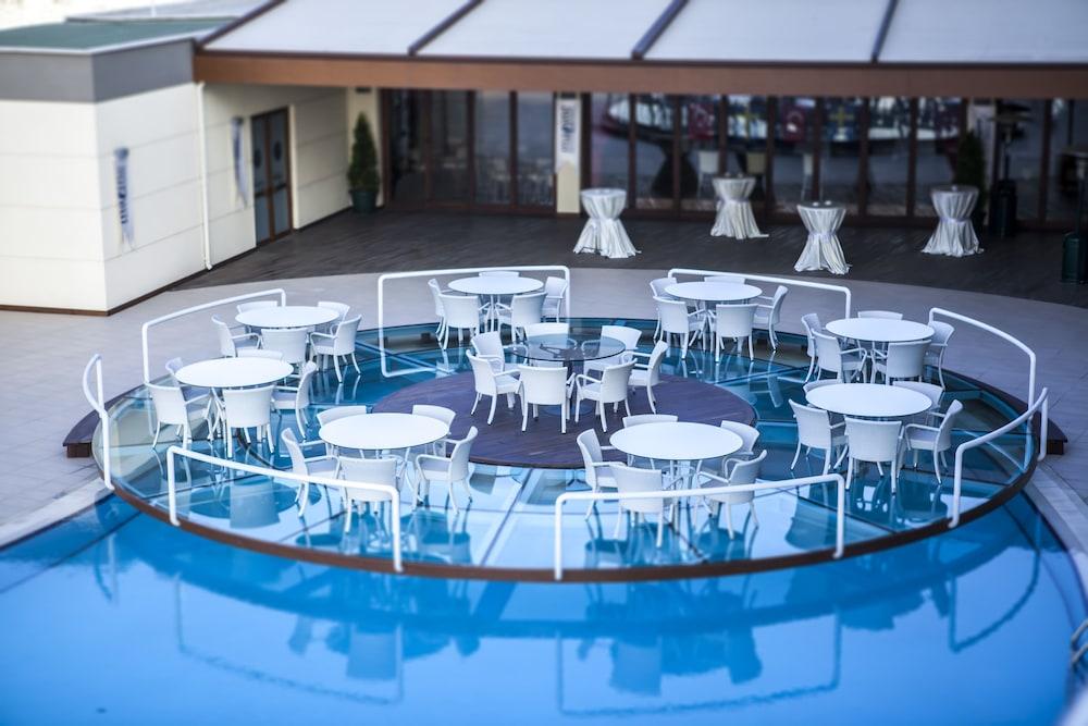 헥사고네 비즈니스 & 미팅 호텔(Hotel Hegsagone Marine Asia) Hotel Image 18 - Outdoor Dining