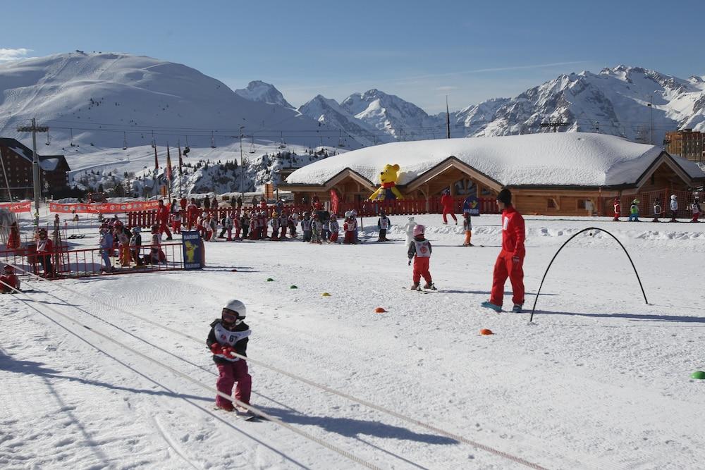 오텔 클럽 엠엠비 르 베르제(Hôtel Club mmv Les Bergers) Hotel Image 19 - Skiing