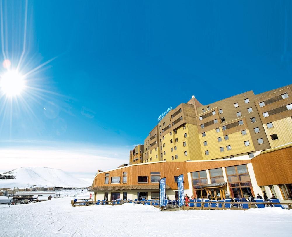 오텔 클럽 엠엠비 르 베르제(Hôtel Club mmv Les Bergers) Hotel Image 34 - Hotel Front