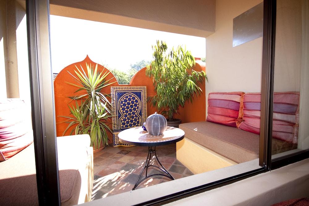 라 로카 게스트 하우스(La Roca Guest House) Hotel Image 18 - Terrace/Patio