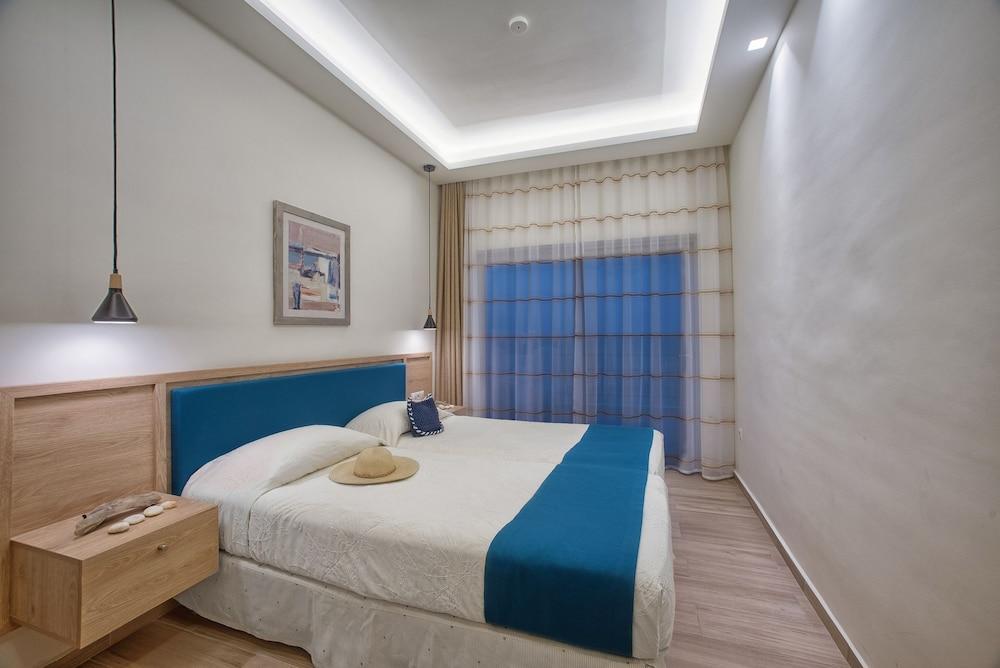 카보스 베이 호텔 & 스튜디오스(Cavos Bay Hotel and Studios) Hotel Image 19 - Guestroom
