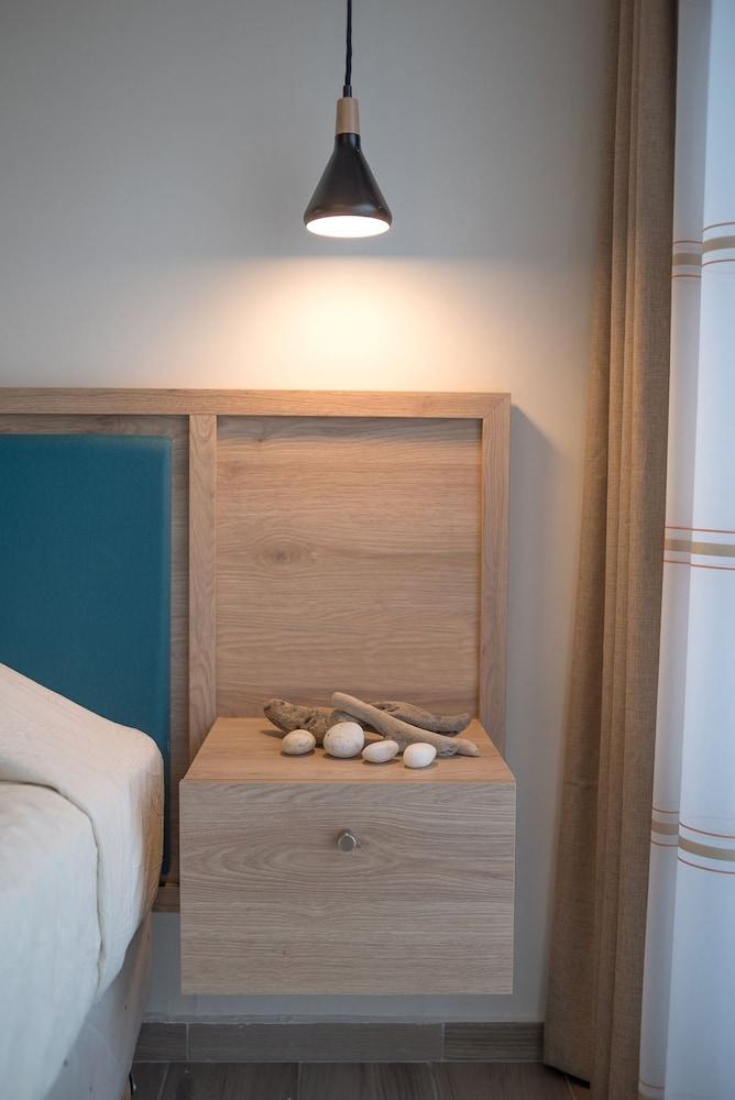 카보스 베이 호텔 & 스튜디오스(Cavos Bay Hotel and Studios) Hotel Image 5 - Guestroom