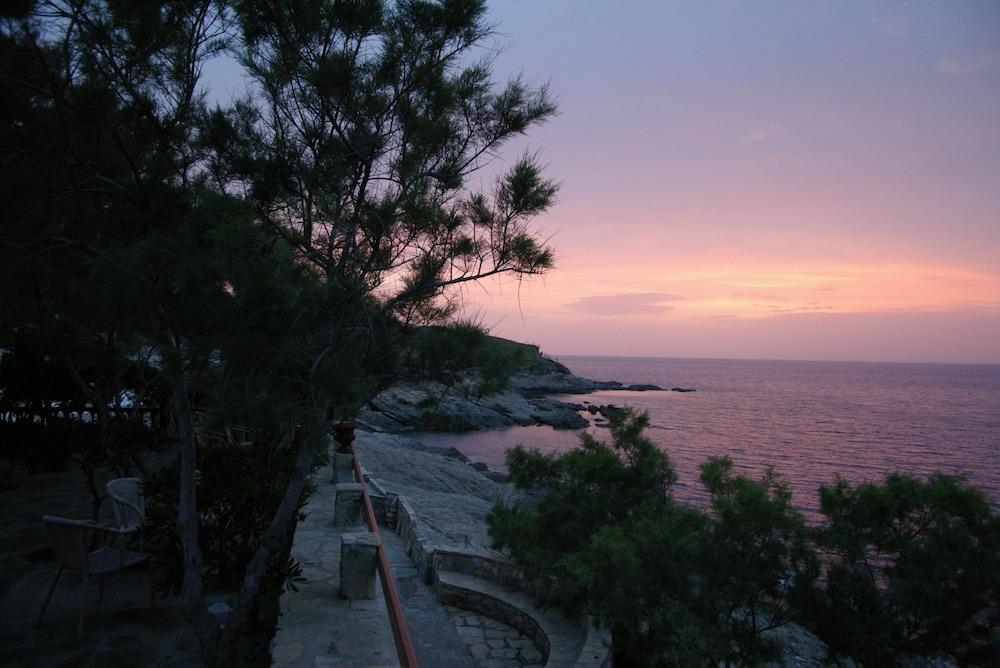 카보스 베이 호텔 & 스튜디오스(Cavos Bay Hotel and Studios) Hotel Image 60 - Beach/Ocean View