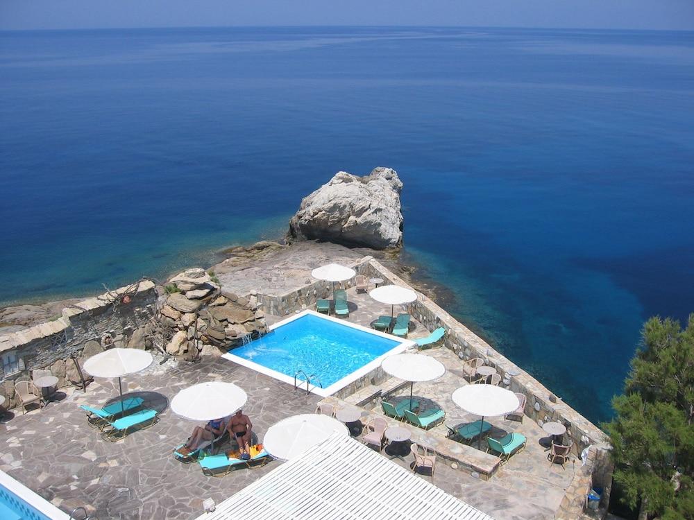 카보스 베이 호텔 & 스튜디오스(Cavos Bay Hotel and Studios) Hotel Image 20 - Outdoor Pool