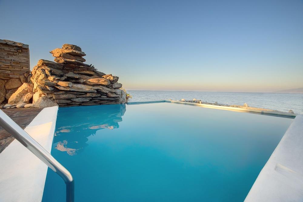 카보스 베이 호텔 & 스튜디오스(Cavos Bay Hotel and Studios) Hotel Image 28 - Infinity Pool