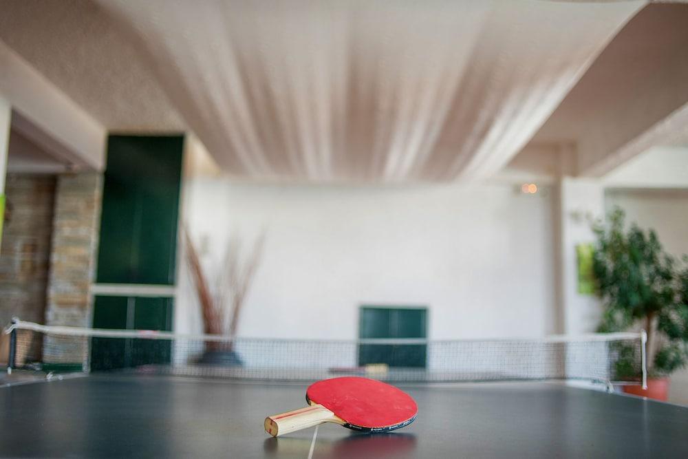 카보스 베이 호텔 & 스튜디오스(Cavos Bay Hotel and Studios) Hotel Image 67 - Tennis Court