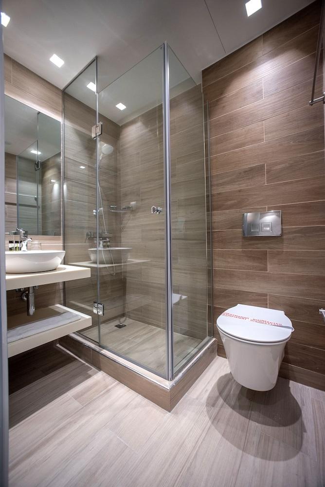 카보스 베이 호텔 & 스튜디오스(Cavos Bay Hotel and Studios) Hotel Image 17 - Bathroom