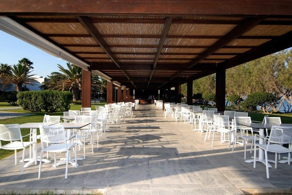 라키티라 리조트 앤드 빌리지(Lakitira Resort and Village) Hotel Image 25 - Restaurant
