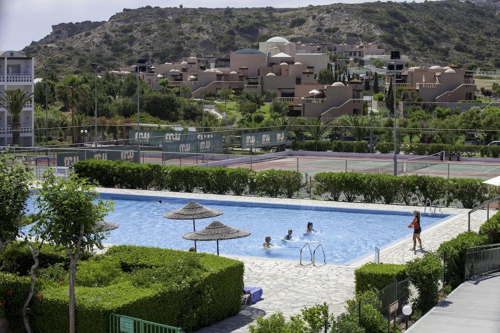 라키티라 리조트 앤드 빌리지(Lakitira Resort and Village) Hotel Image 14 - Outdoor Pool