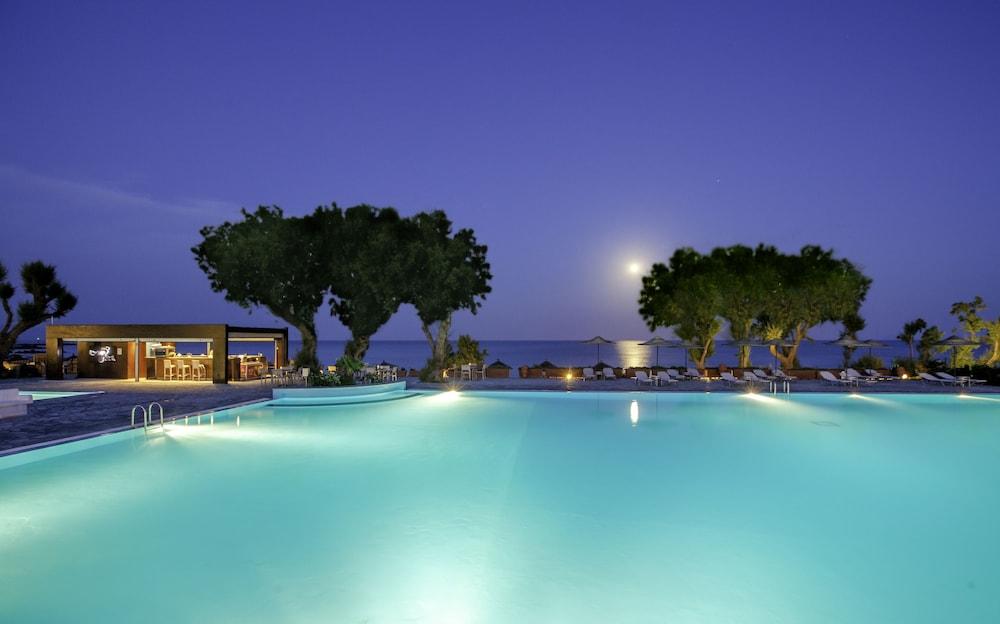 라키티라 리조트 앤드 빌리지(Lakitira Resort and Village) Hotel Image 2 - Pool