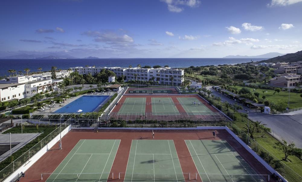 라키티라 리조트 앤드 빌리지(Lakitira Resort and Village) Hotel Image 23 - Tennis Court