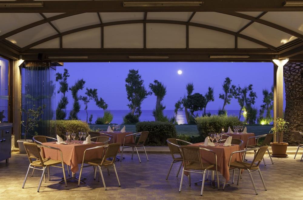 라키티라 리조트 앤드 빌리지(Lakitira Resort and Village) Hotel Image 28 - Restaurant