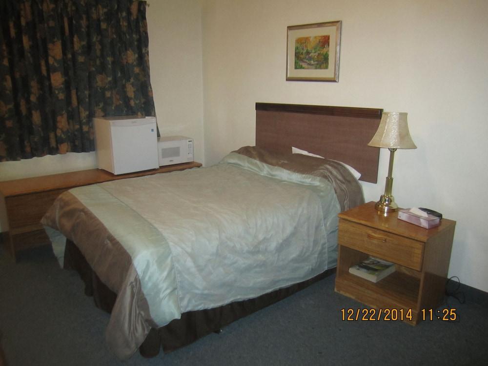 카프리 모텔(Capri Motel) Hotel Image 13 - Guestroom