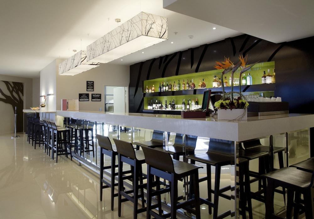 수디마 오클랜드 에어포트(Sudima Auckland Airport) Hotel Image 13 - Hotel Bar
