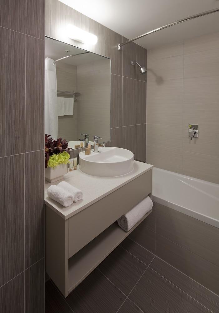 수디마 오클랜드 에어포트(Sudima Auckland Airport) Hotel Image 7 - Bathroom