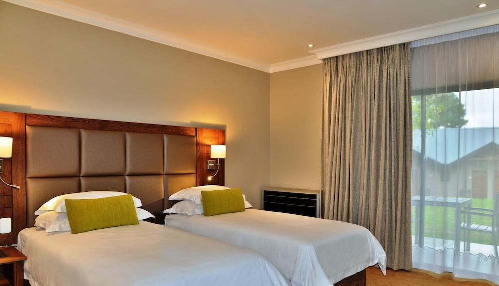 프리미어 리조트 사니 패스(Premier Resort Sani Pass) Hotel Image 4 - Guestroom