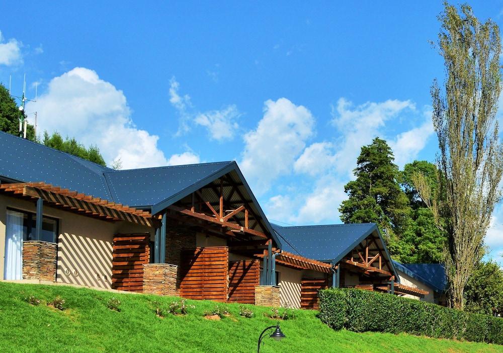 프리미어 리조트 사니 패스(Premier Resort Sani Pass) Hotel Image 54 - Exterior detail