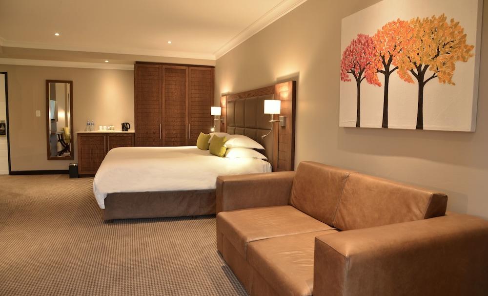 프리미어 리조트 사니 패스(Premier Resort Sani Pass) Hotel Image 5 - Guestroom