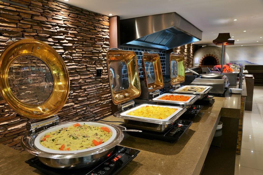 프리미어 리조트 사니 패스(Premier Resort Sani Pass) Hotel Image 29 - Buffet