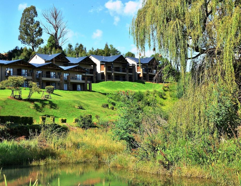 프리미어 리조트 사니 패스(Premier Resort Sani Pass) Hotel Image 0 - Featured Image