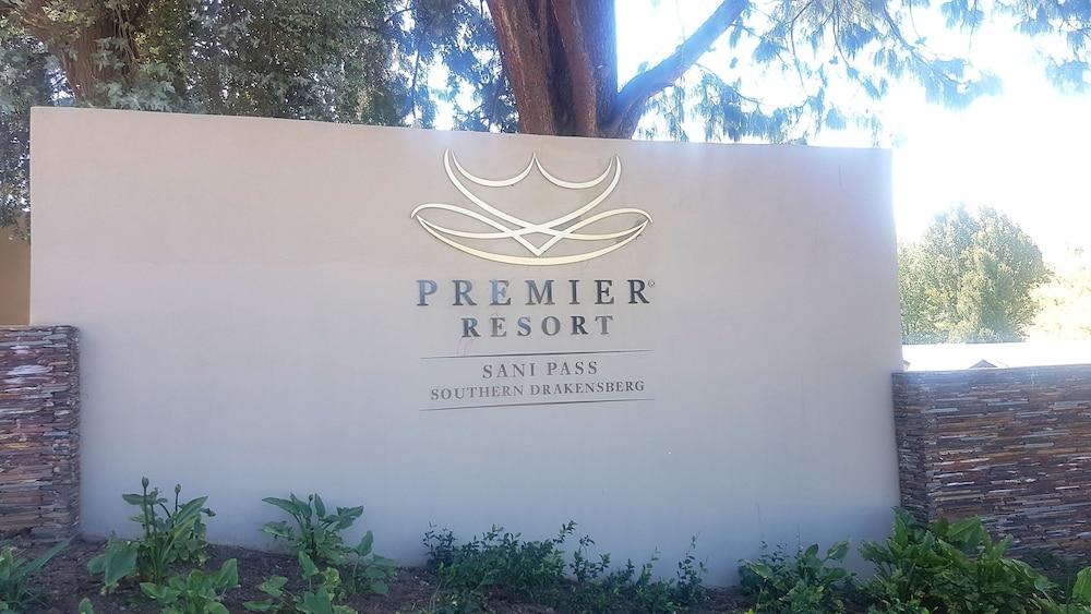 프리미어 리조트 사니 패스(Premier Resort Sani Pass) Hotel Image 46 - Hotel Entrance