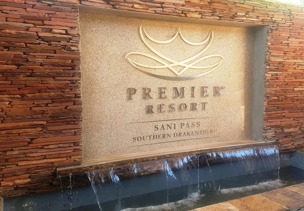 프리미어 리조트 사니 패스(Premier Resort Sani Pass) Hotel Image 47 - Hotel Entrance