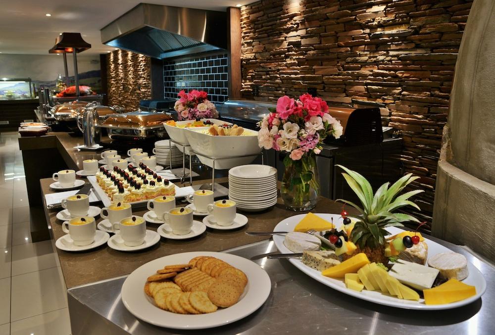프리미어 리조트 사니 패스(Premier Resort Sani Pass) Hotel Image 60 - Buffet