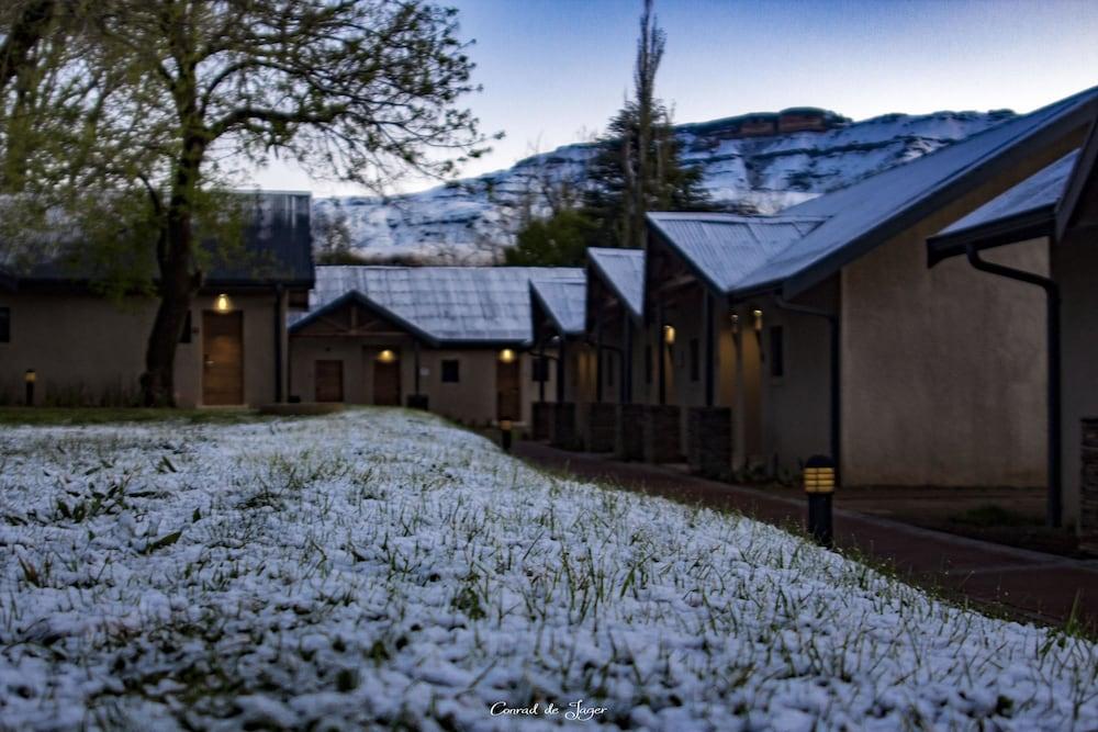 프리미어 리조트 사니 패스(Premier Resort Sani Pass) Hotel Image 43 - Property Grounds