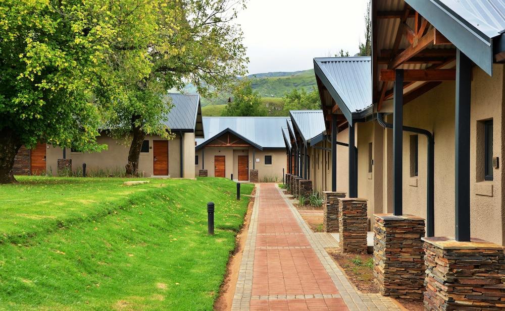 프리미어 리조트 사니 패스(Premier Resort Sani Pass) Hotel Image 49 - Garden