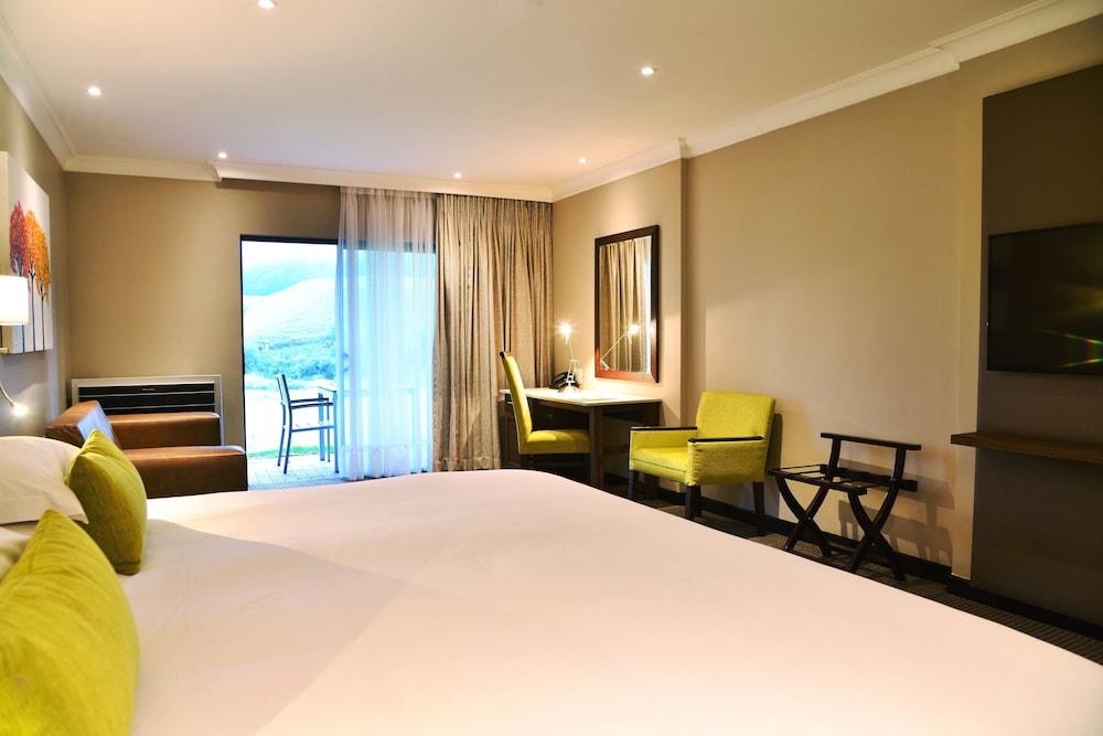 프리미어 리조트 사니 패스(Premier Resort Sani Pass) Hotel Image 9 - Guestroom