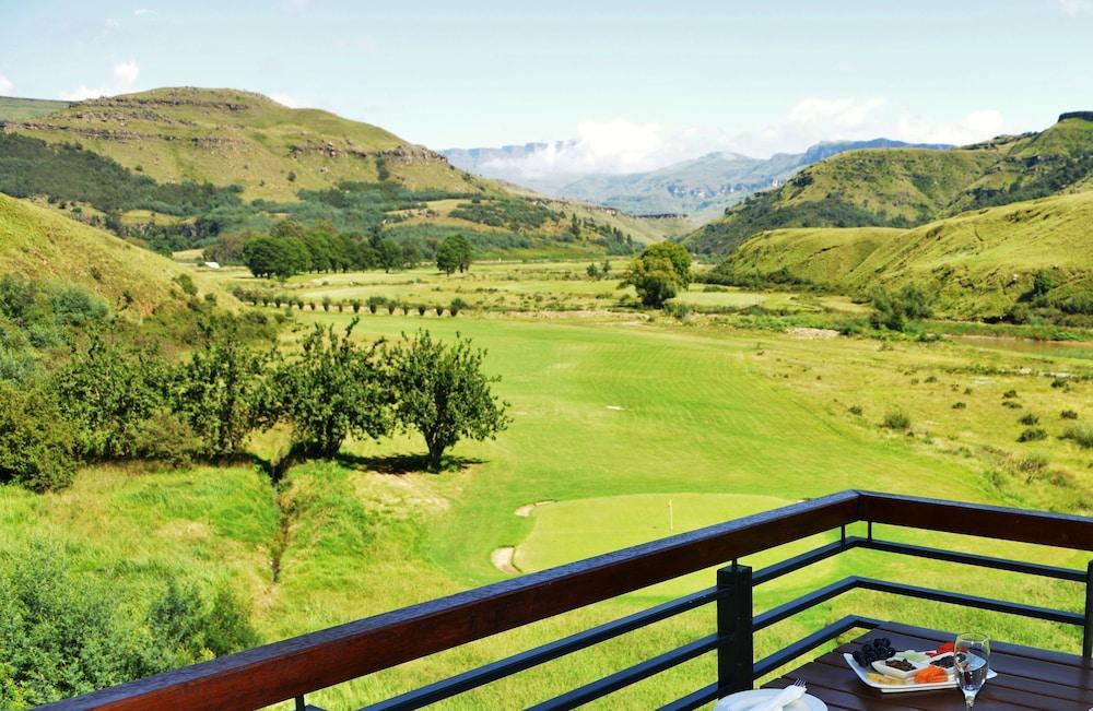 프리미어 리조트 사니 패스(Premier Resort Sani Pass) Hotel Image 2 - Balcony View