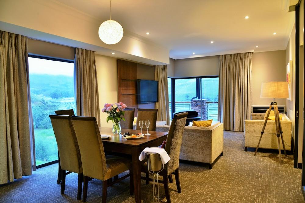 프리미어 리조트 사니 패스(Premier Resort Sani Pass) Hotel Image 34 - Hotel Interior