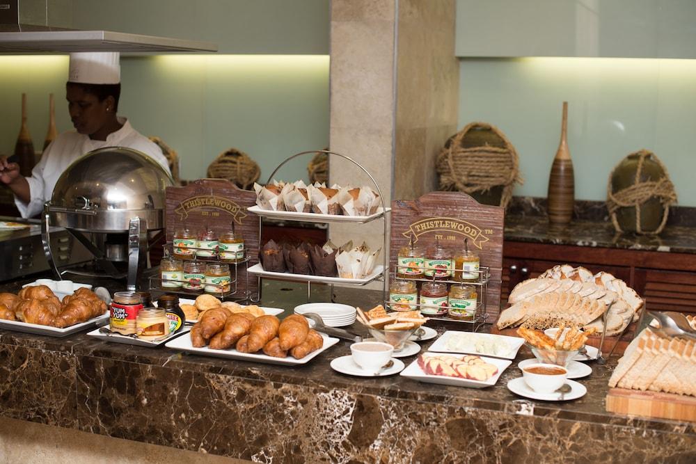 프리미어 리조트 사니 패스(Premier Resort Sani Pass) Hotel Image 31 - Breakfast buffet