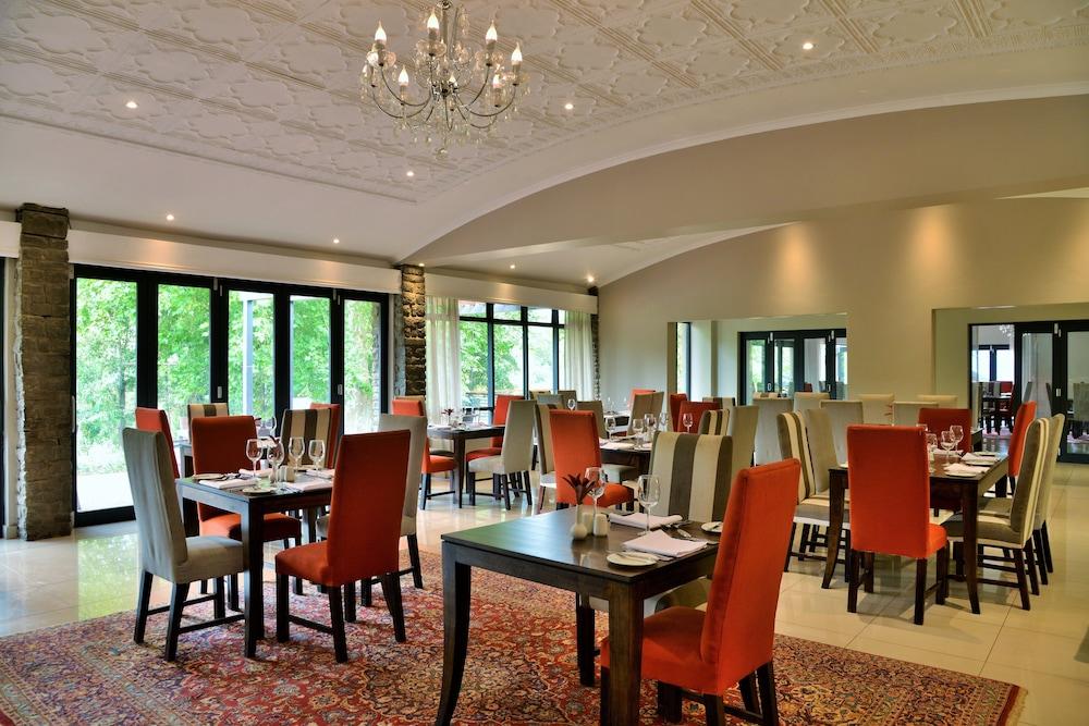 프리미어 리조트 사니 패스(Premier Resort Sani Pass) Hotel Image 25 - Restaurant