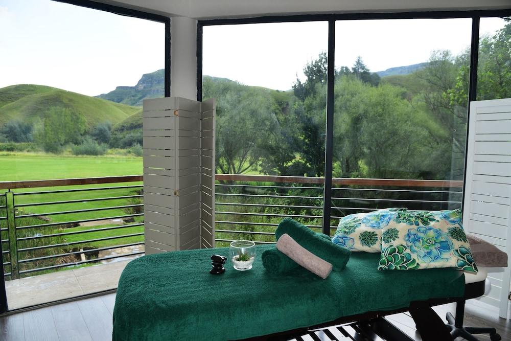 프리미어 리조트 사니 패스(Premier Resort Sani Pass) Hotel Image 15 - Spa