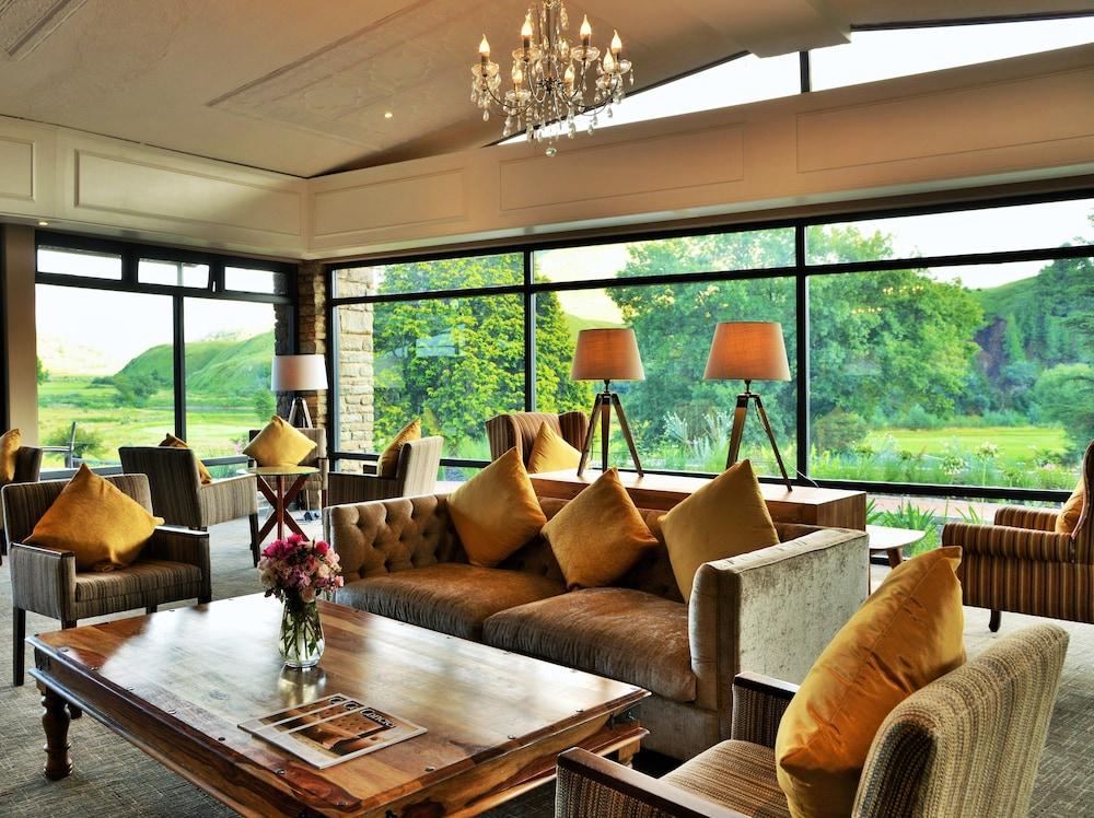 프리미어 리조트 사니 패스(Premier Resort Sani Pass) Hotel Image 32 - Hotel Lounge