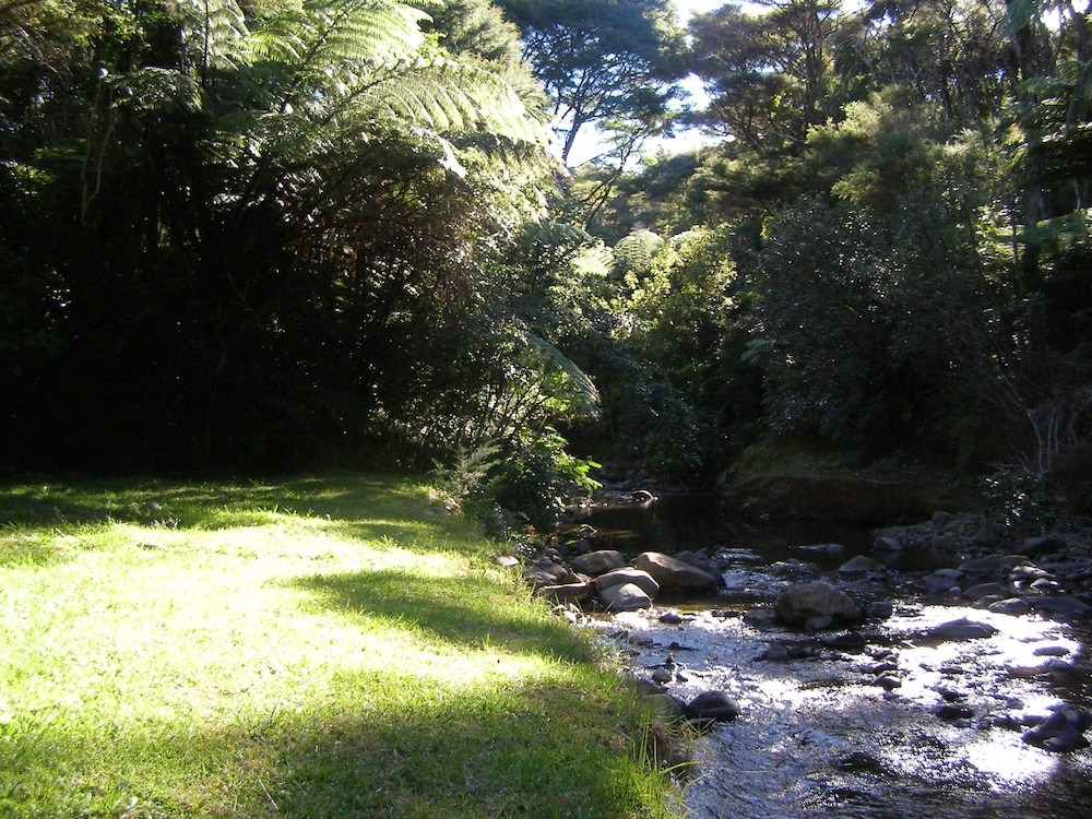 탕기아로 키위 리트리트(Tangiaro Kiwi Retreat) Hotel Image 33 - Property Grounds