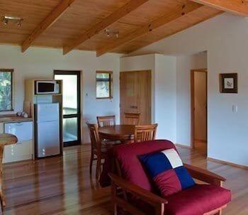 탕기아로 키위 리트리트(Tangiaro Kiwi Retreat) Hotel Image 10 - Living Area