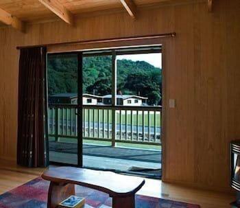 탕기아로 키위 리트리트(Tangiaro Kiwi Retreat) Hotel Image 14 - Balcony